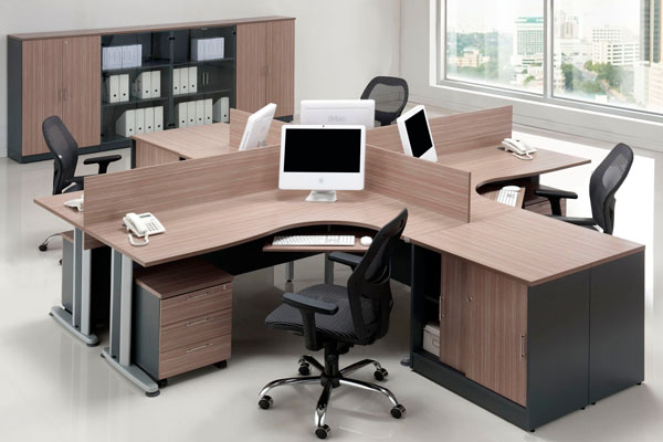 Workstation with wooden dividers